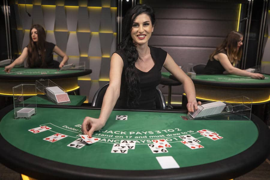 Live Blackjack Canada What Is A Live Dealer Casino